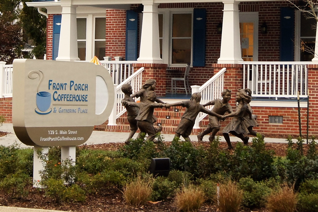 Circle of Peace 7 – Kilmarnock, VA — Sculptor Gary Lee Price